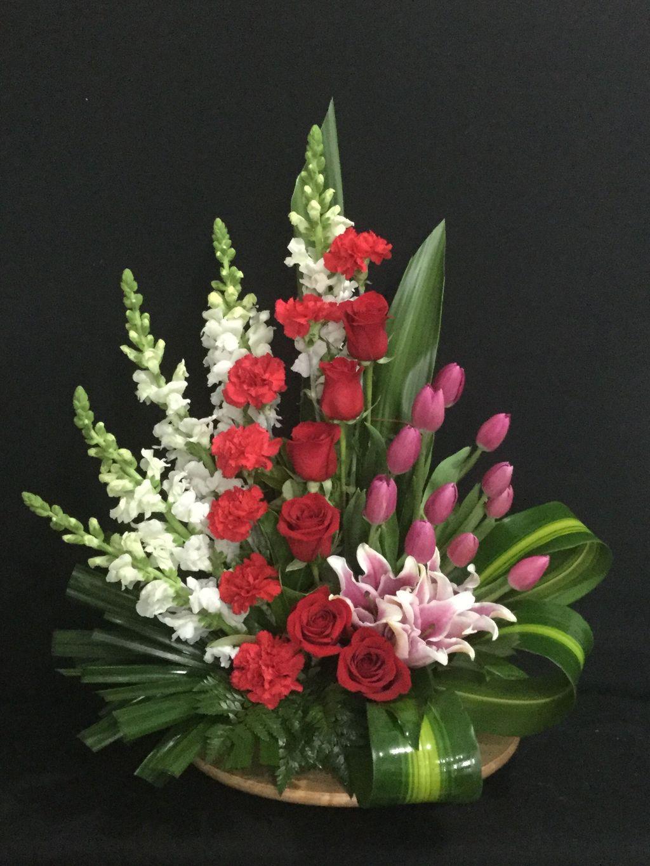 Beautiful Modern Flower Arrangements Design Ideas 02
