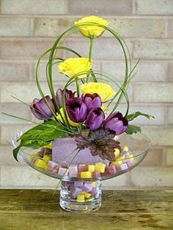 Beautiful Modern Flower Arrangements Design Ideas 03