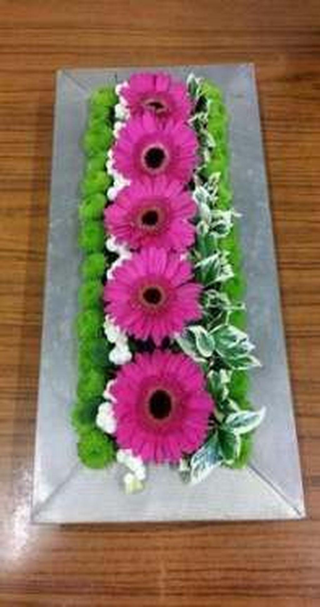 Beautiful Modern Flower Arrangements Design Ideas 06