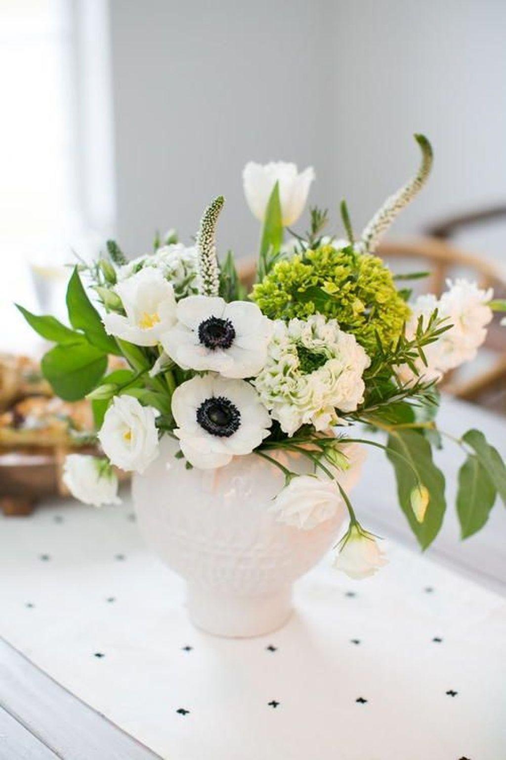 Beautiful Modern Flower Arrangements Design Ideas 17