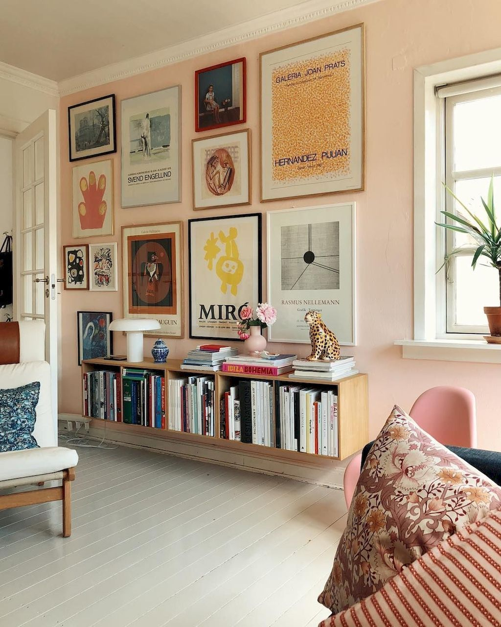Fabulous Colorful Apartment Decor Ideas 31