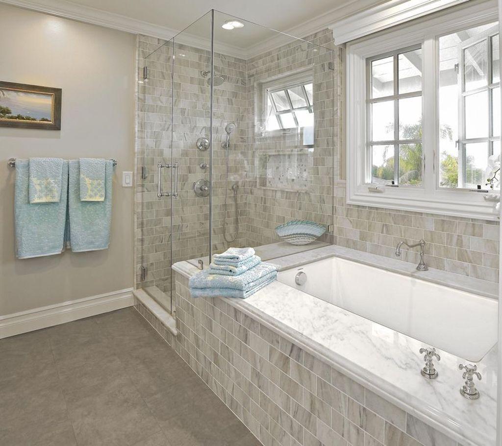 Fabulous Modern Master Bathroom Design Ideas 23