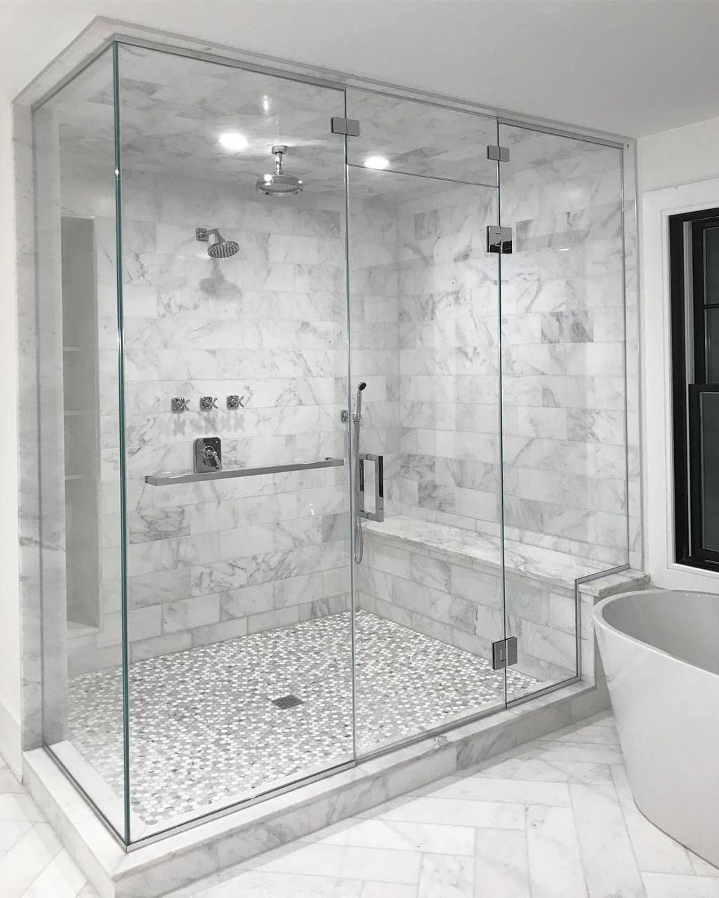 Fabulous Modern Master Bathroom Design Ideas 26