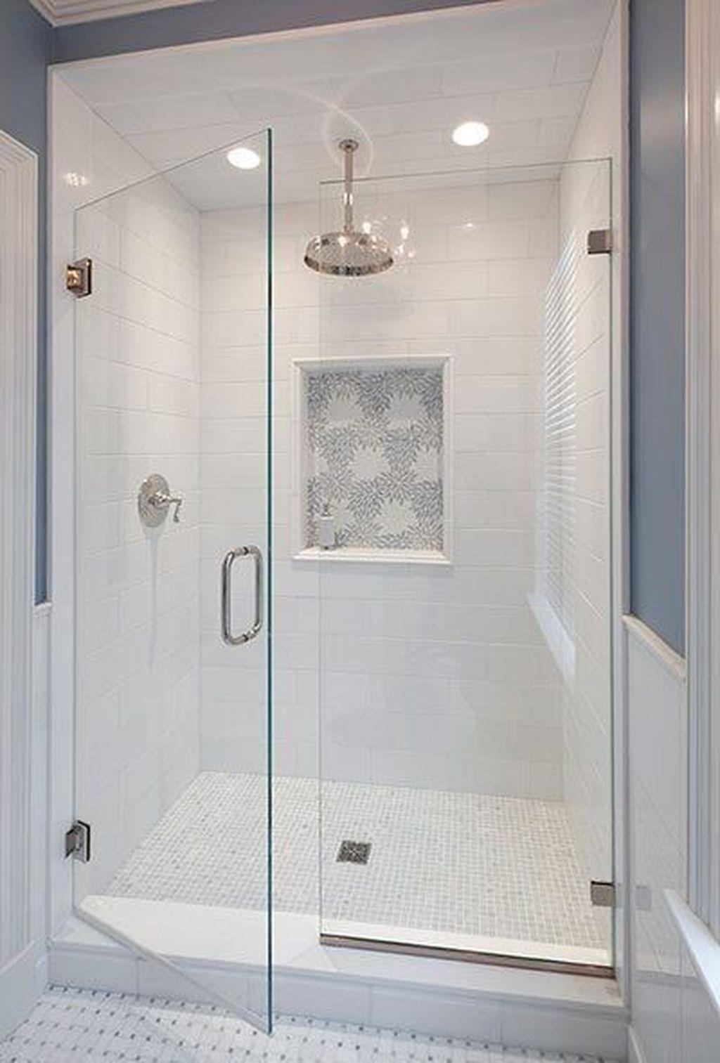 Fabulous Modern Master Bathroom Design Ideas 32