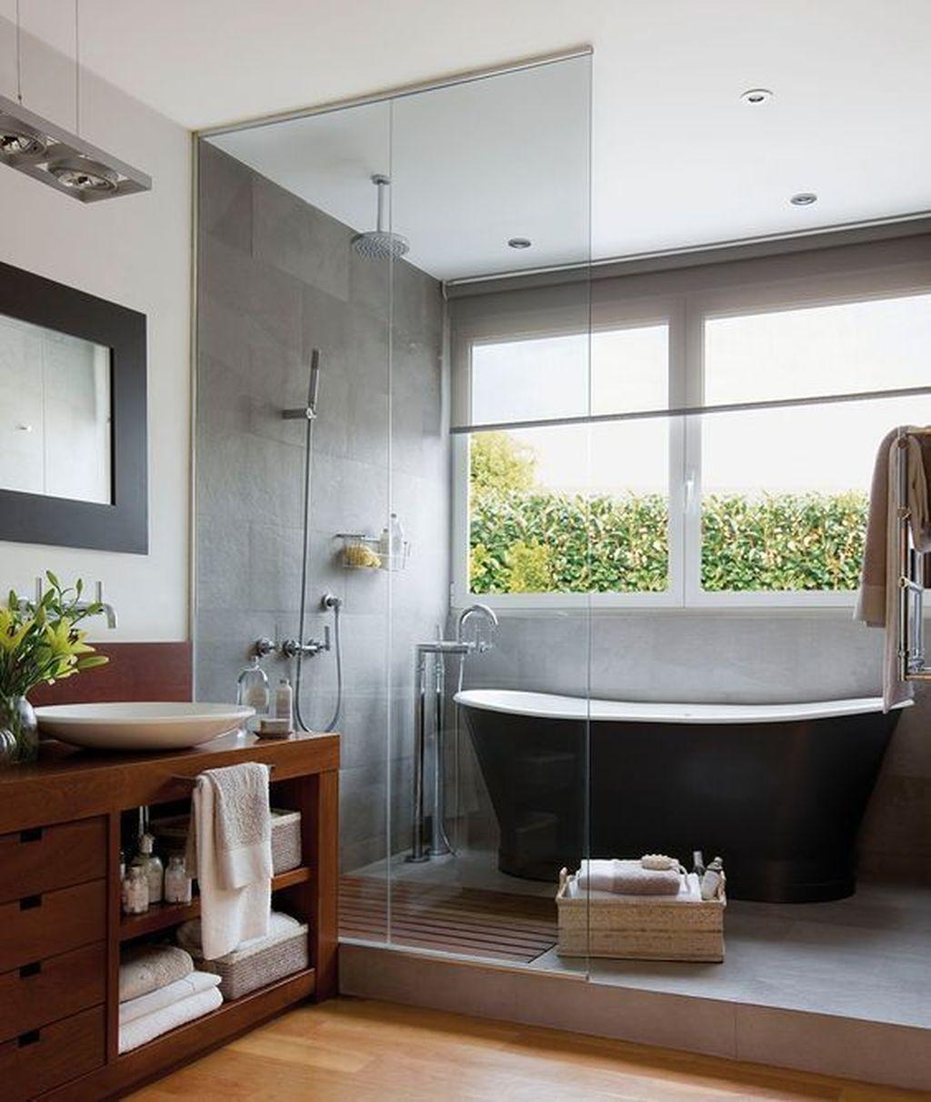 Fabulous Modern Master Bathroom Design Ideas 34