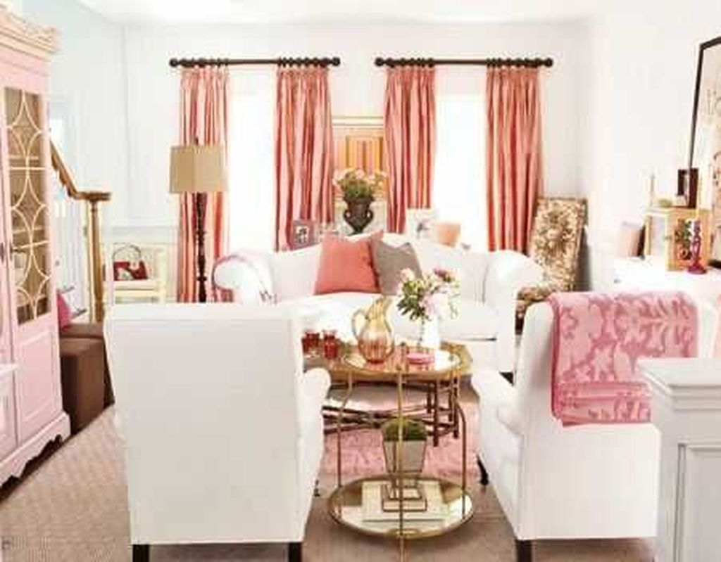 Gorgeous Pink Accent Living Room Decorating Ideas 13