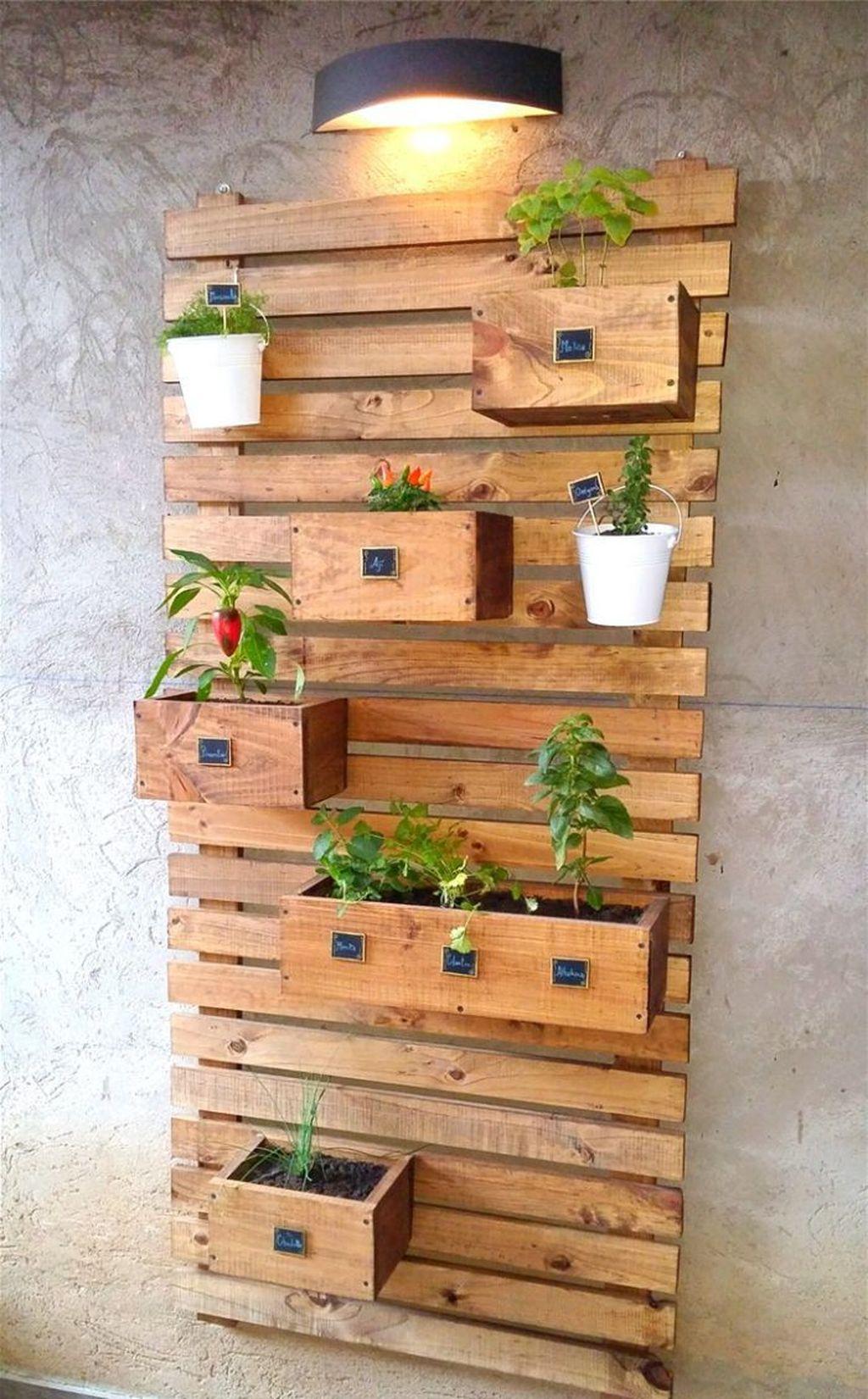 Gorgeous Vertical Garden Ideas Wall Decor 01