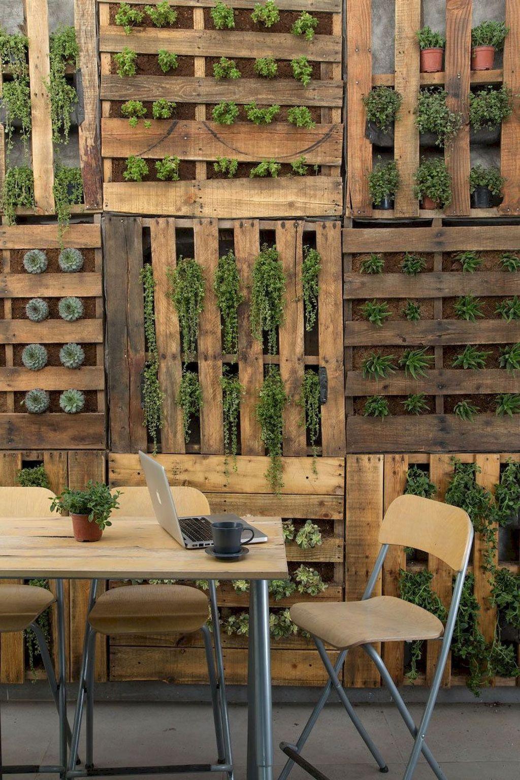 Gorgeous Vertical Garden Ideas Wall Decor 11