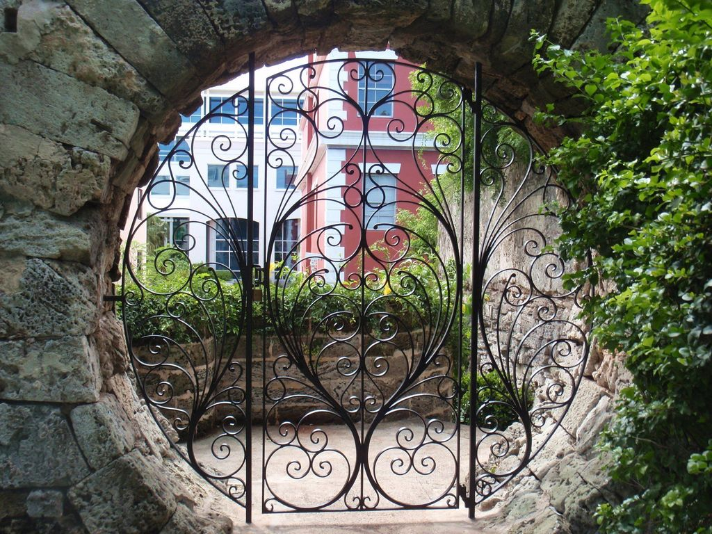 Incredible Heavenly Moon Gate Design Ideas 03