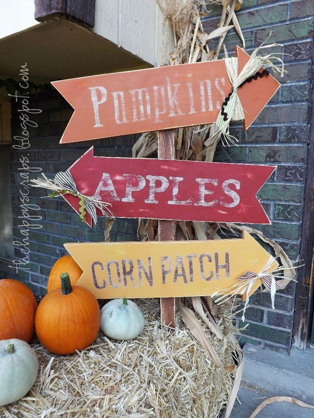 Inspiring Fall Pallet Signs Design Ideas For Your Home Decor 05