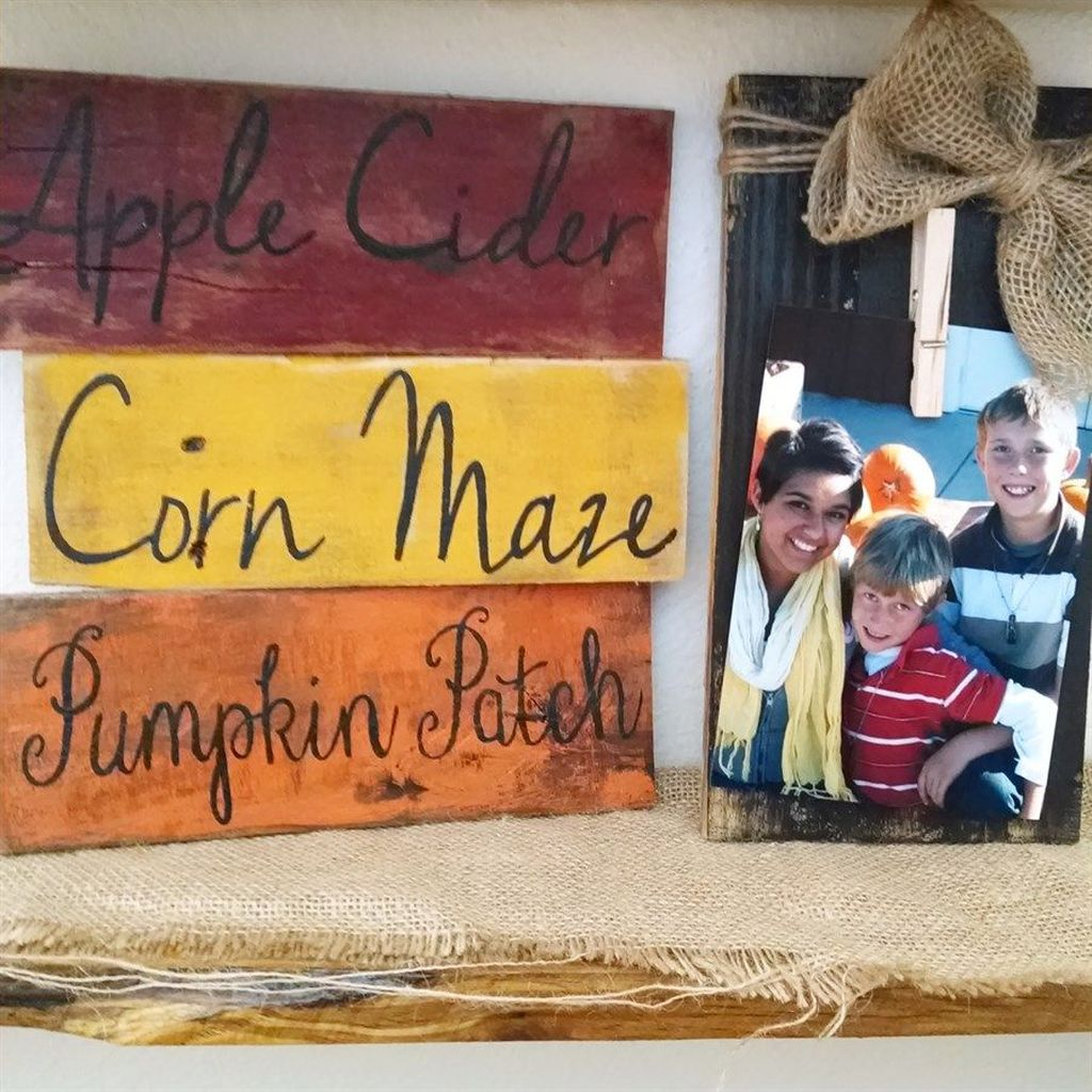 Inspiring Fall Pallet Signs Design Ideas For Your Home Decor 10