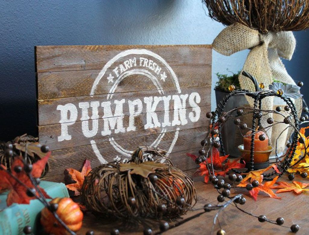 Inspiring Fall Pallet Signs Design Ideas For Your Home Decor 20
