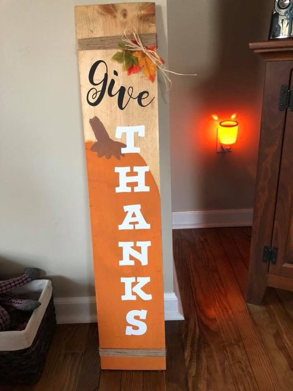 Inspiring Fall Pallet Signs Design Ideas For Your Home Decor 23