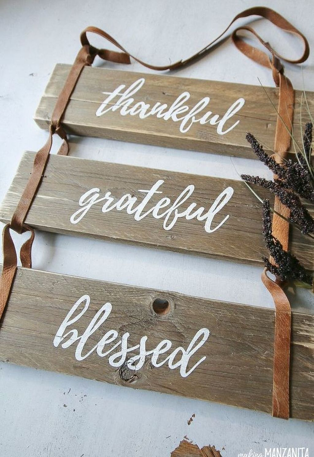Inspiring Fall Pallet Signs Design Ideas For Your Home Decor 30