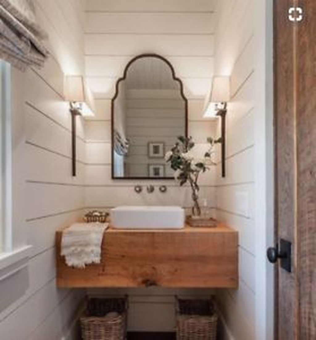 Inspiring Small Modern Farmhouse Bathroom Design Ideas 08