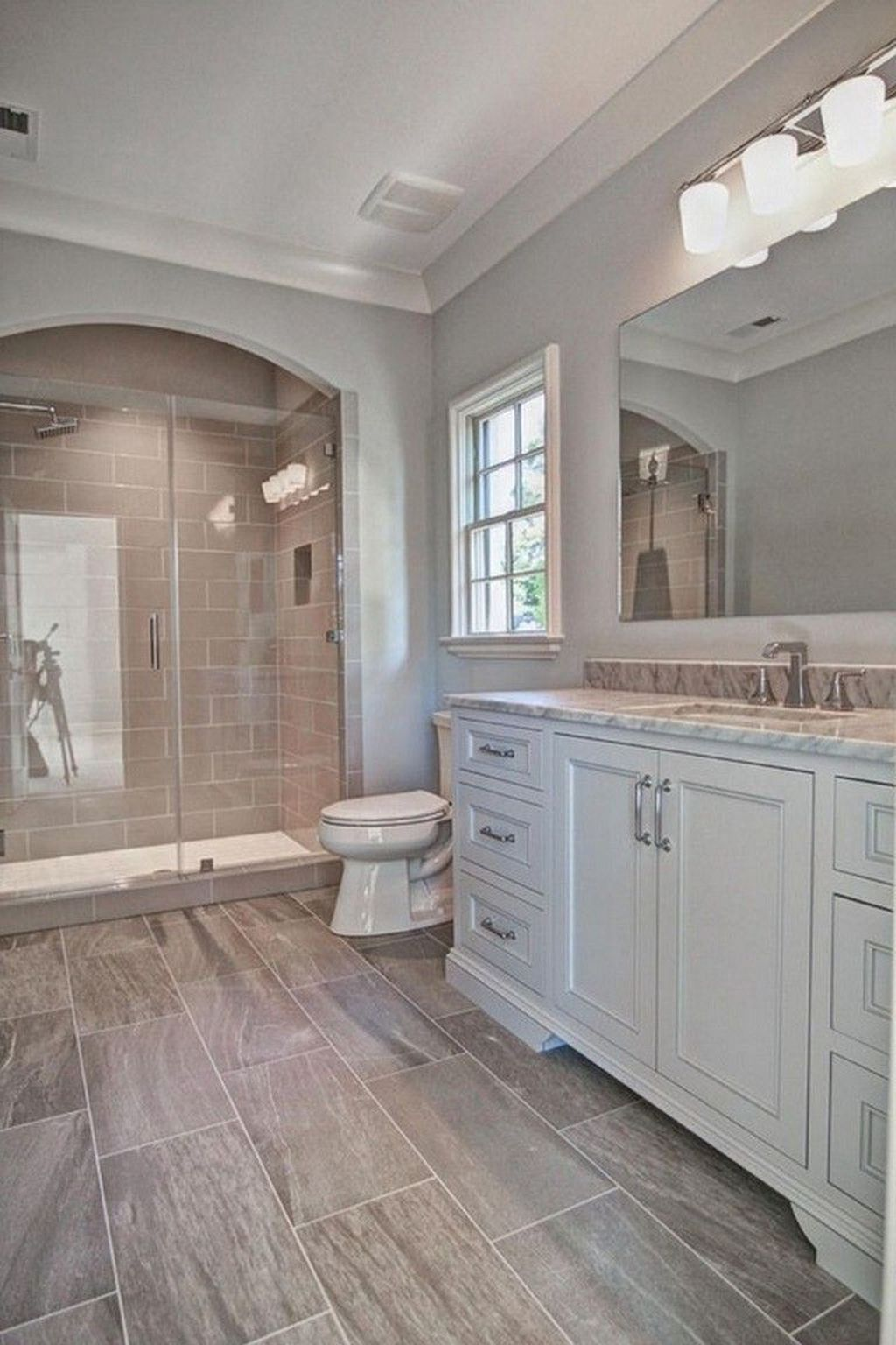 Inspiring Small Modern Farmhouse Bathroom Design Ideas 24