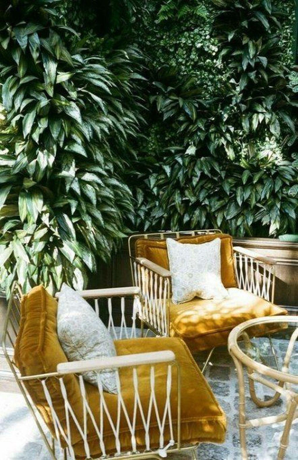 Inspiring Summer Apartment Balcony Decoration Ideas 11