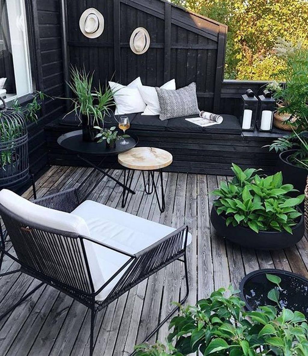 Inspiring Summer Apartment Balcony Decoration Ideas 28