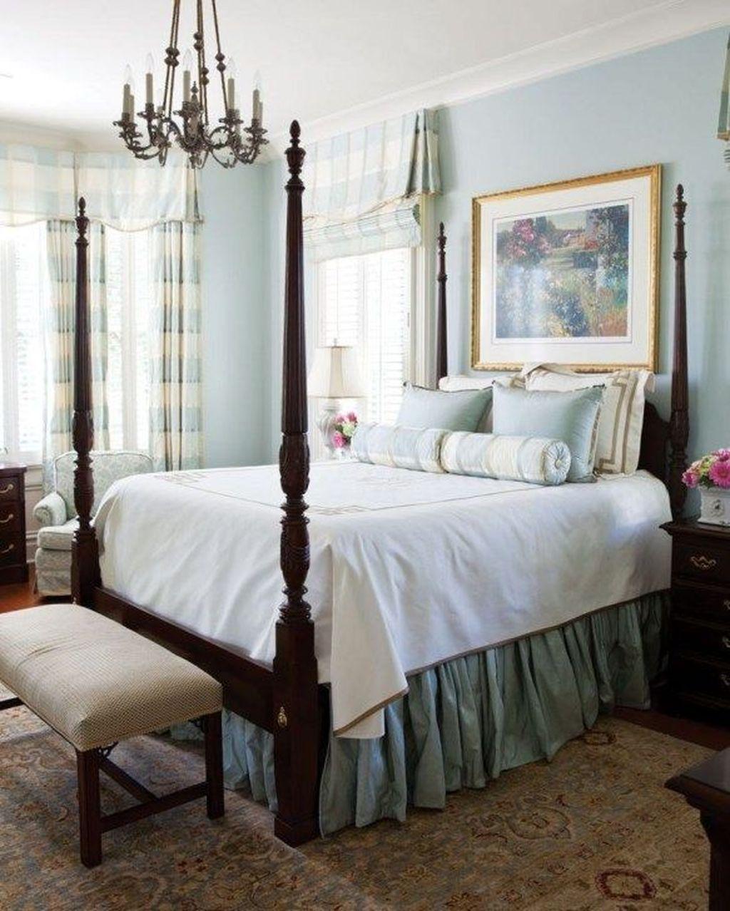 Inspiring Traditional Bedroom Decor Ideas 10