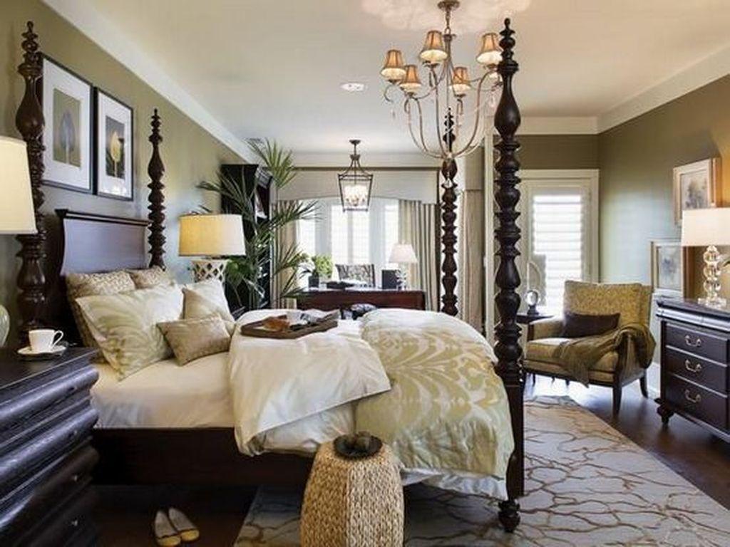 Inspiring Traditional Bedroom Decor Ideas 11