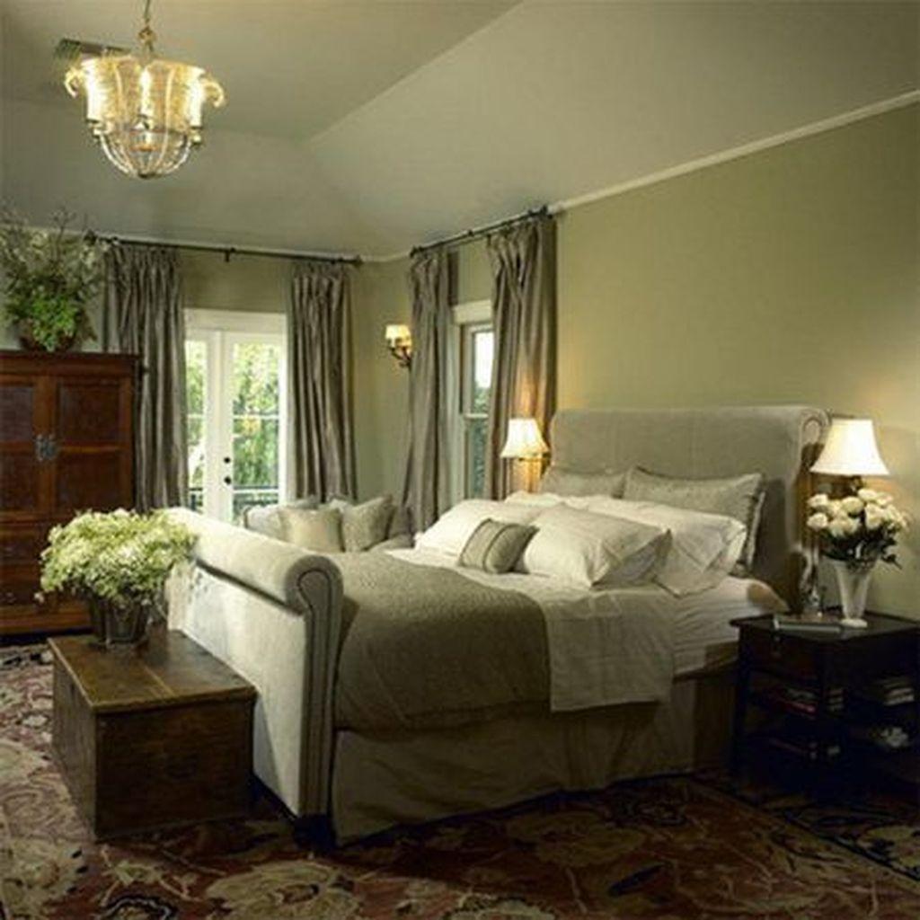 Inspiring Traditional Bedroom Decor Ideas 15