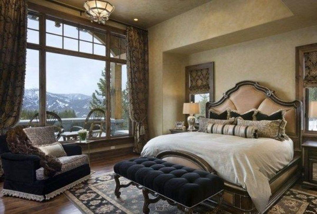 Inspiring Traditional Bedroom Decor Ideas 32