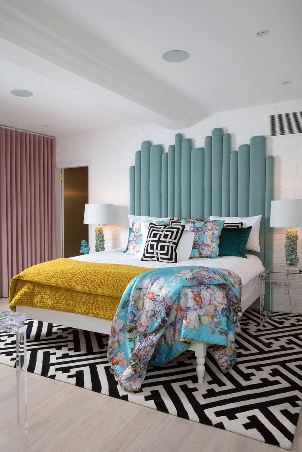 Lovely Eclectic Bedroom Decor Ideas 04