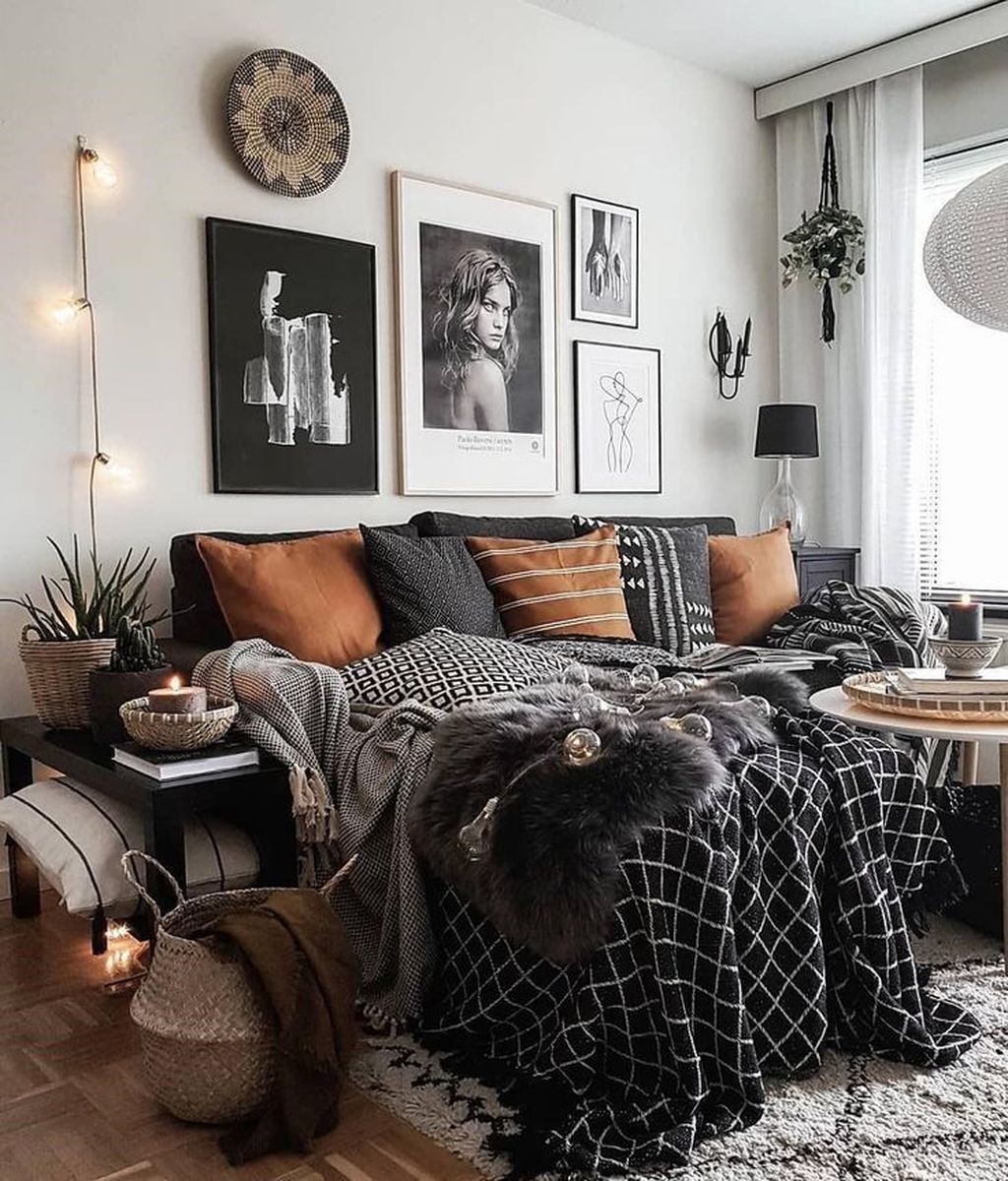 Lovely Eclectic Bedroom Decor Ideas 24