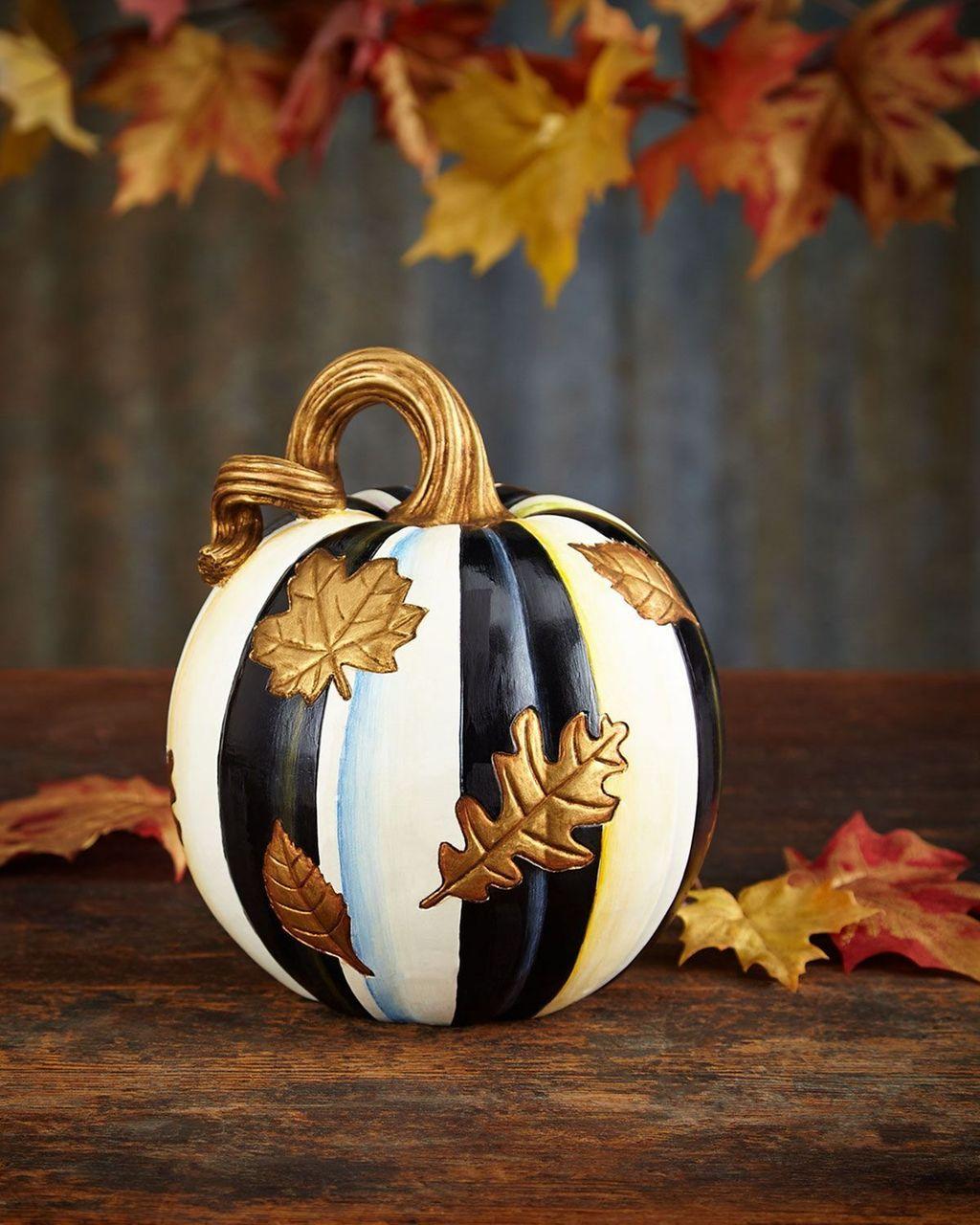 Lovely Fall Pumpkin Decor Ideas 16