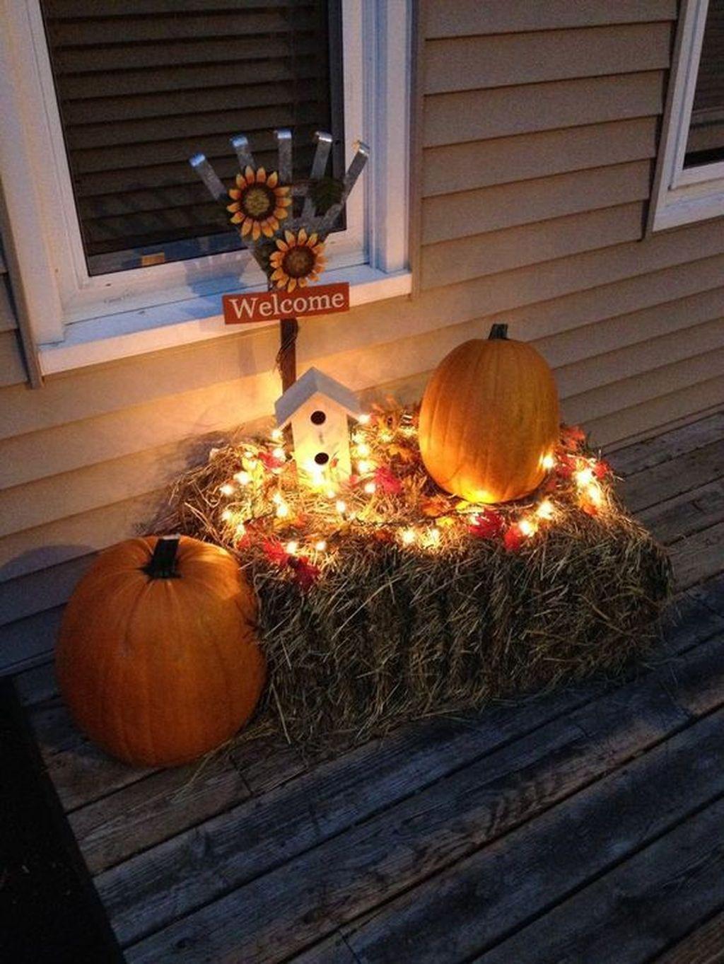 Lovely Fall Pumpkin Decor Ideas 24