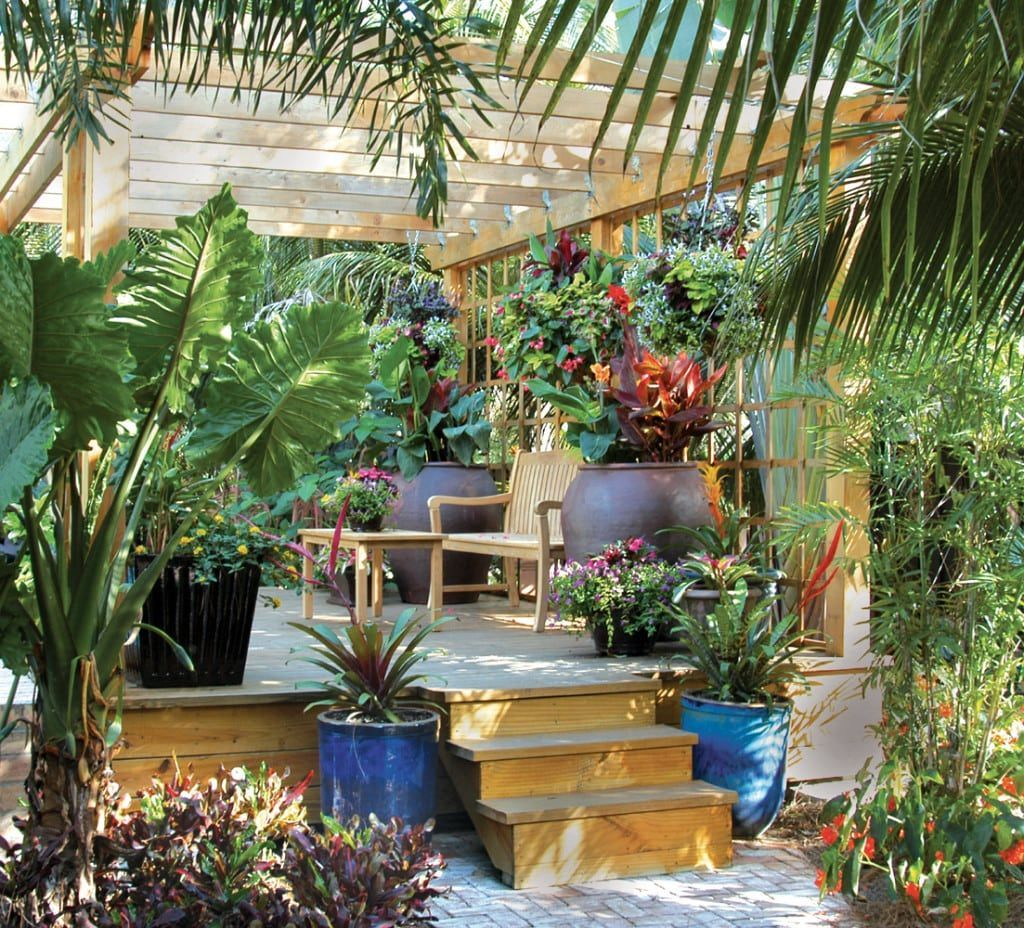 Lovely Tropical Garden Design Ideas 05