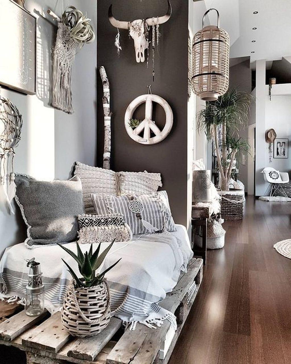 Nice Boho Farmhouse Design Ideas For Your Living Room Decoration 22