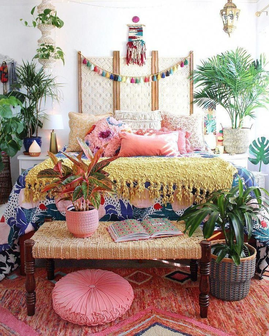 Nice Fall Bedroom Decor Ideas 32