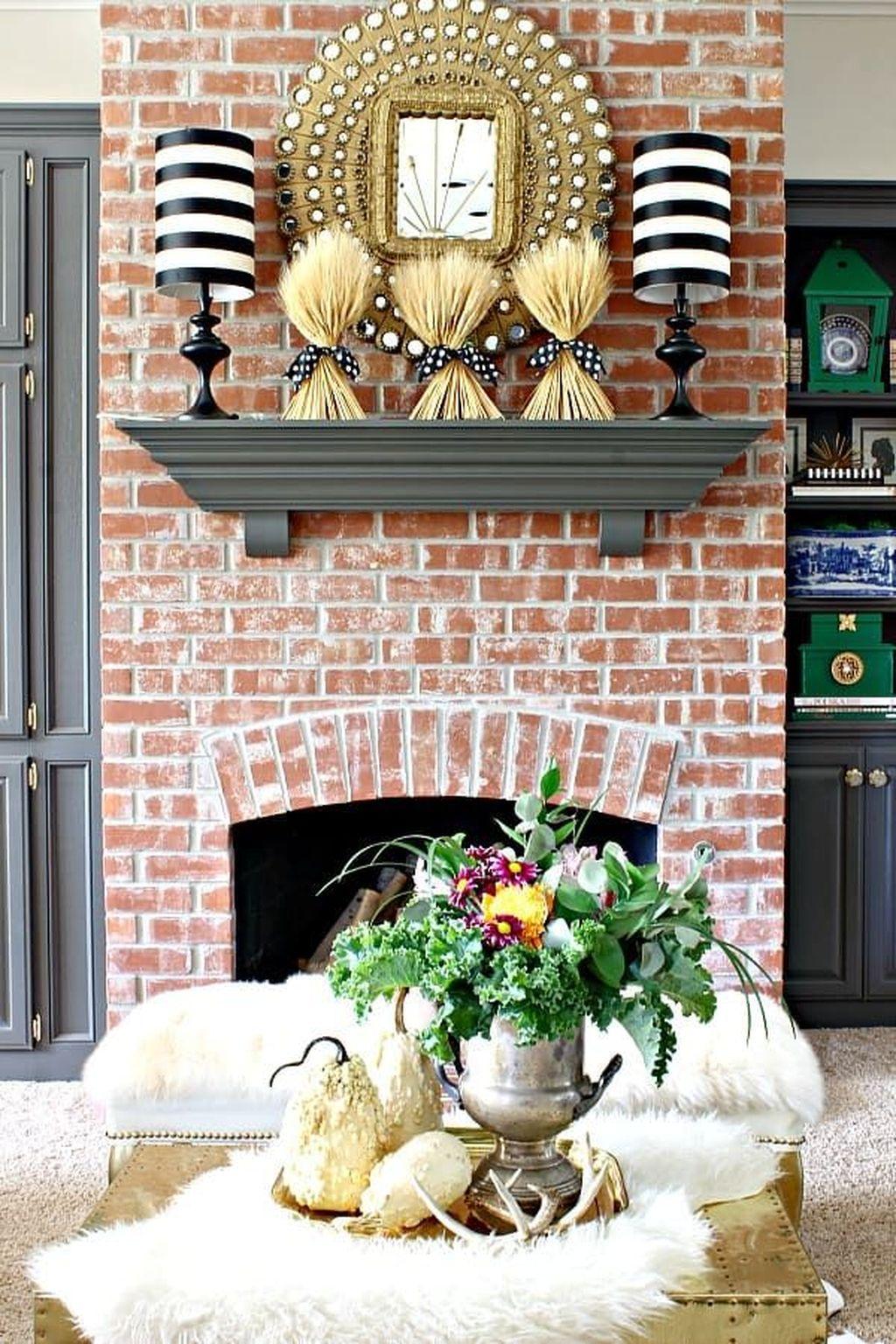 Popular Fall Fireplace Decoration Ideas 20