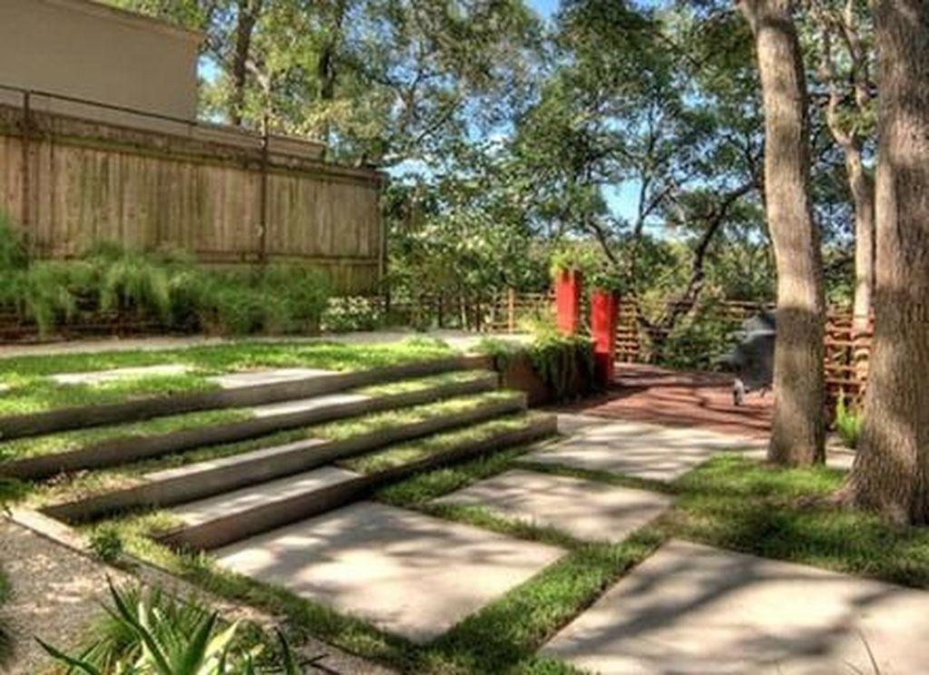 Popular Terraced Landscaping Slope Yard Design Ideas 32