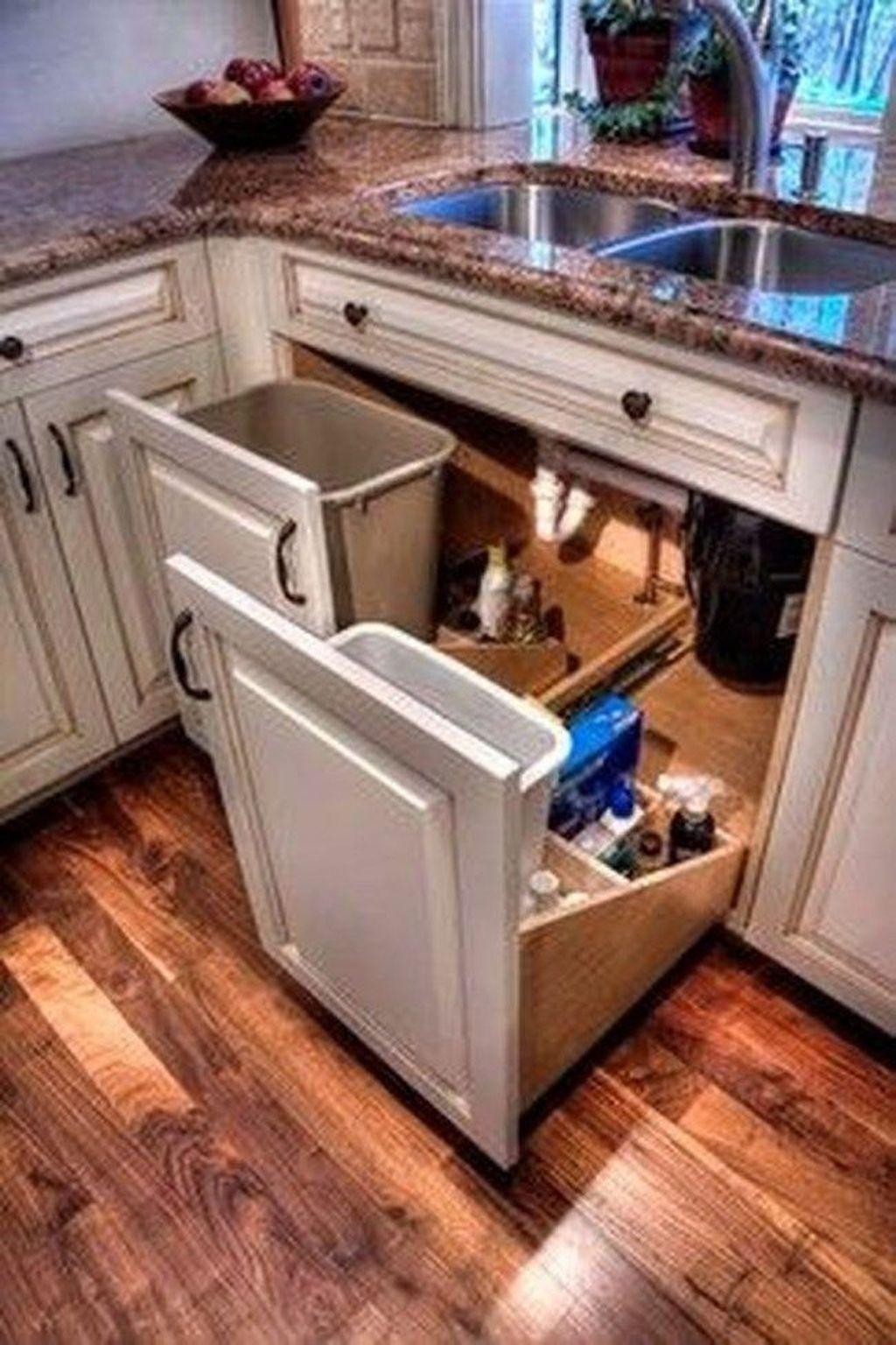 Popular Traditional Kitchen Design Ideas 07