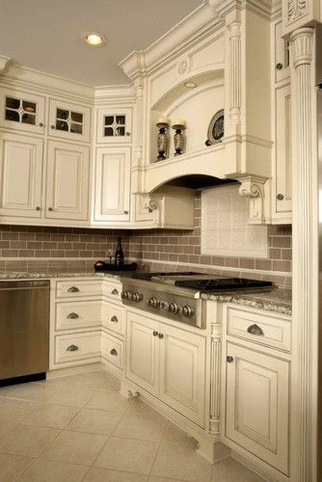 Popular Traditional Kitchen Design Ideas 24