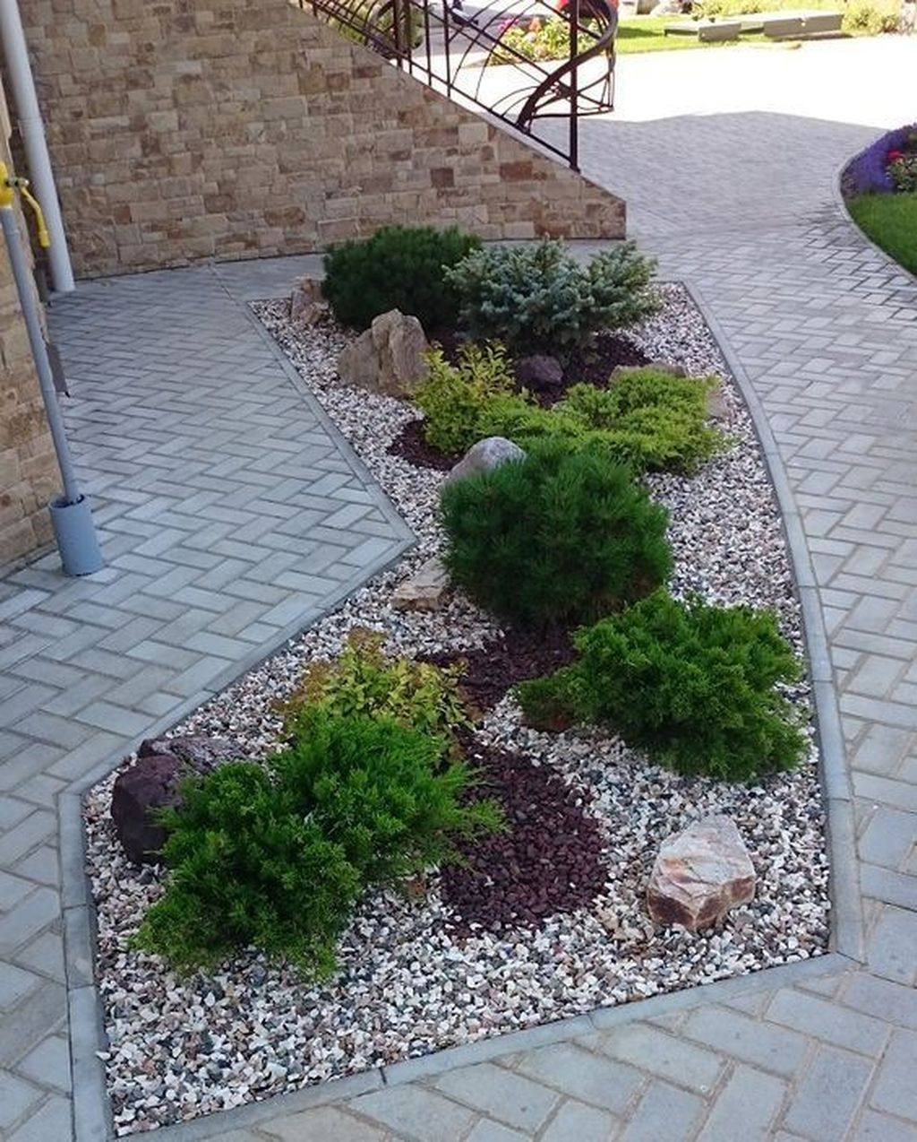 Popular Xeriscape Landscape Ideas For Your Front Yard 09
