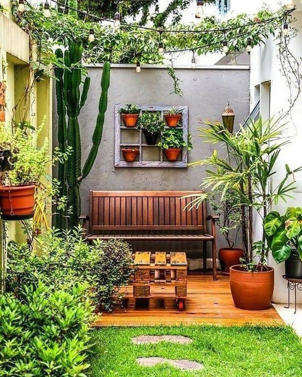 Stunning Apartment Garden Design Ideas 12