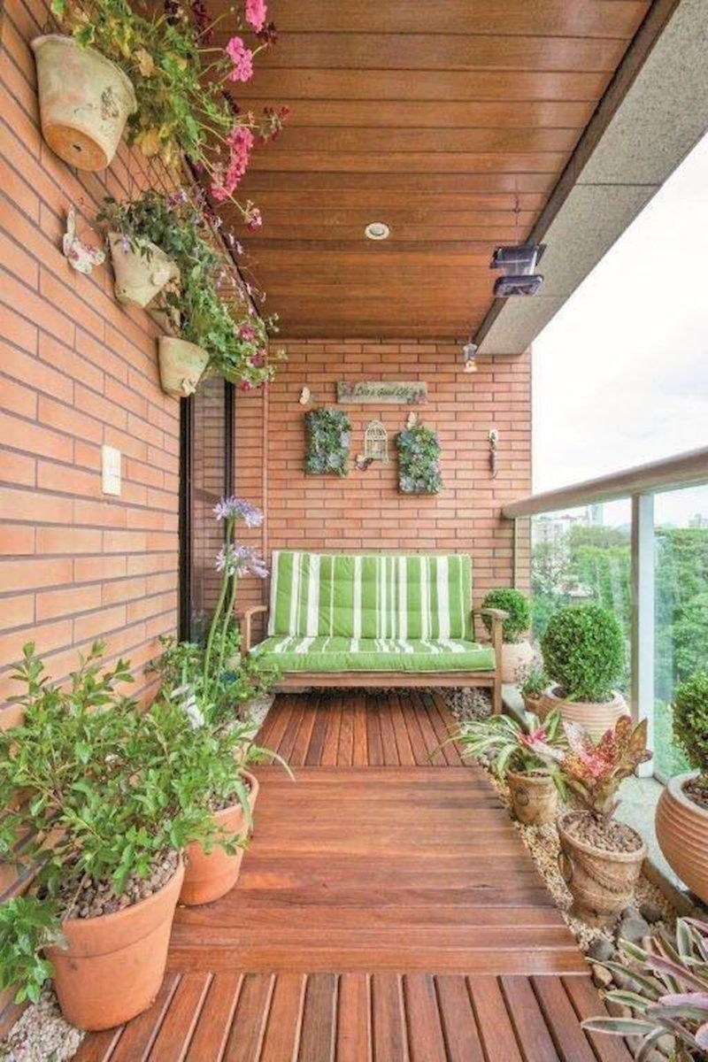 Stunning Apartment Garden Design Ideas 15