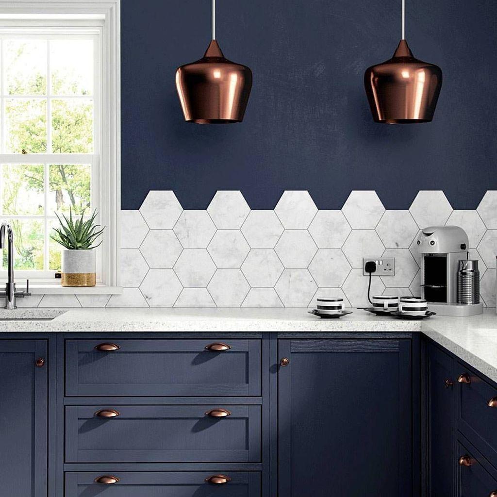 Stunning Glass Backsplash Kitchen Ideas 02