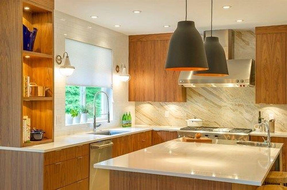 Stunning Glass Backsplash Kitchen Ideas 07