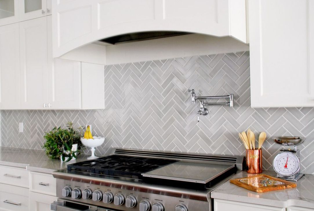 Stunning Glass Backsplash Kitchen Ideas 12