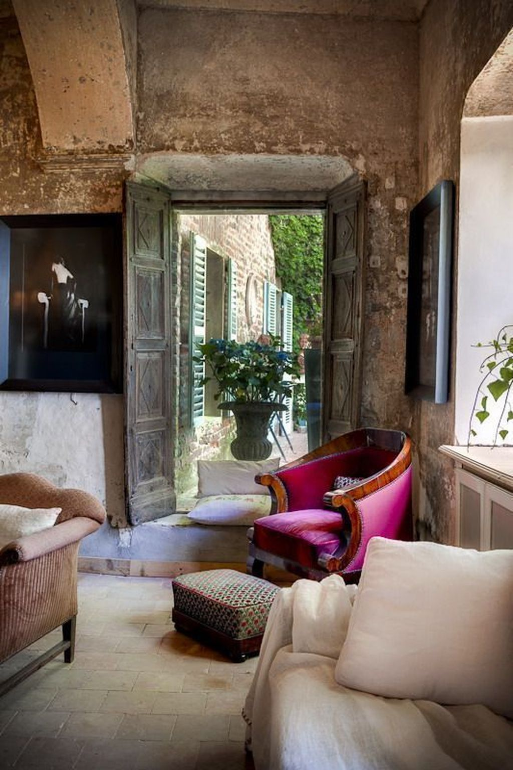 Stunning Italian Rustic Decor Ideas For Your Living Room 29