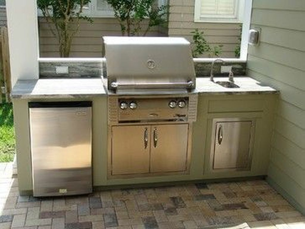 Stunning Outdoor Kitchen Design Ideas For Perfect Summer 28