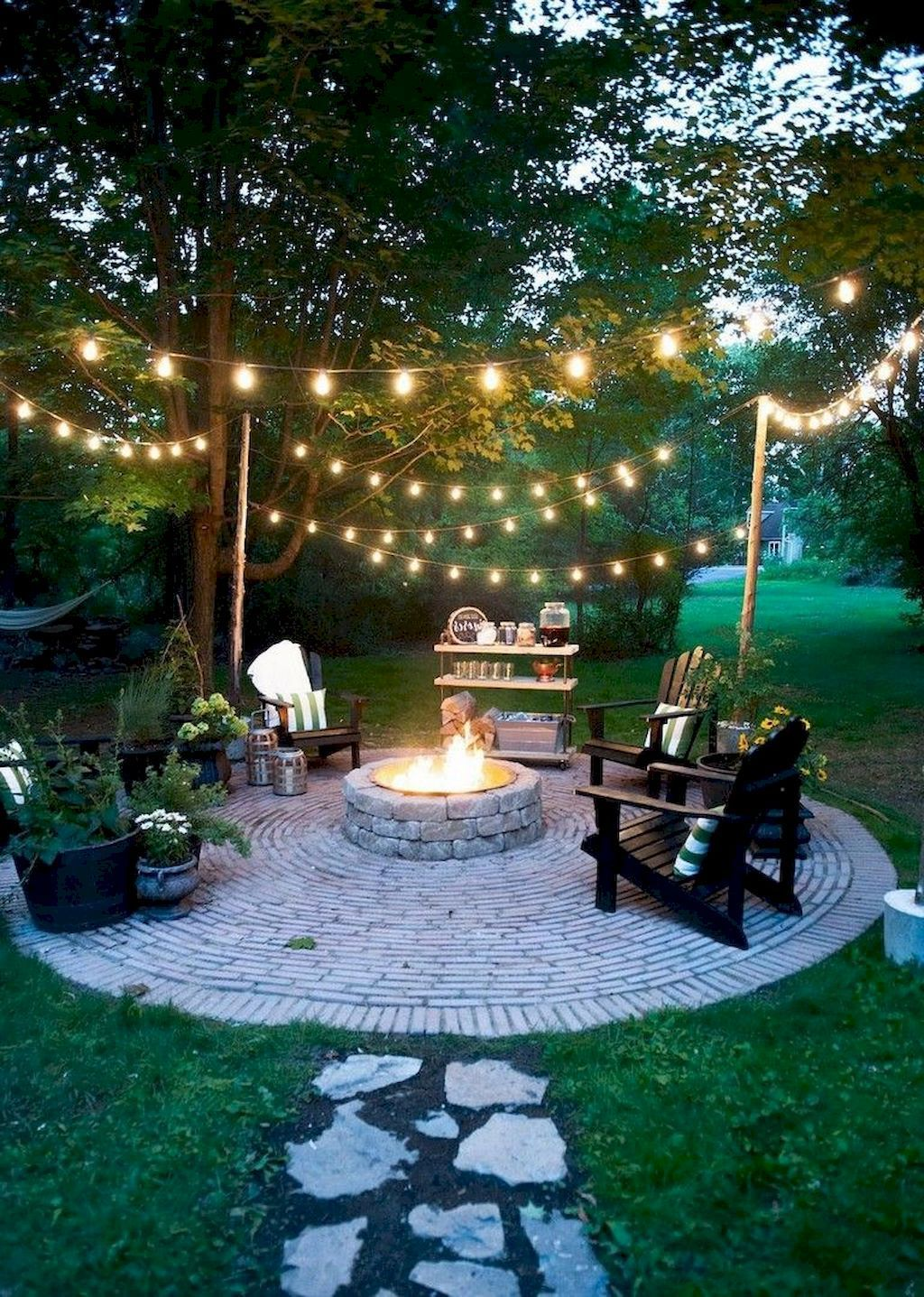 The Best Backyard Summer Party Decorating Ideas 20