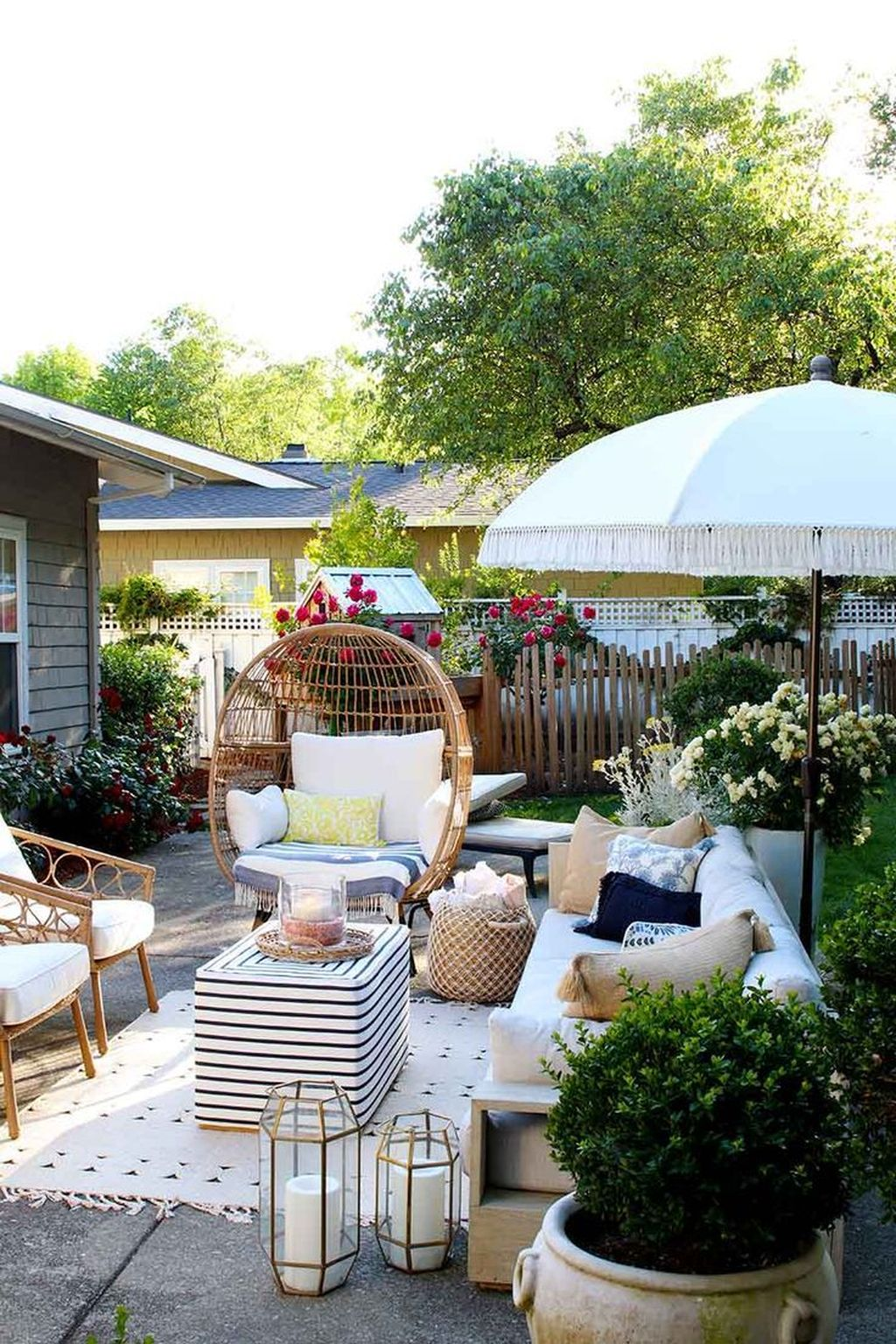 The Best Backyard Summer Party Decorating Ideas 26