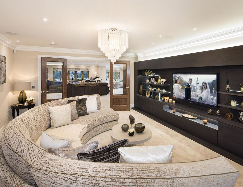 The Best Curved Sofa For Living Room Layout Ideas 21