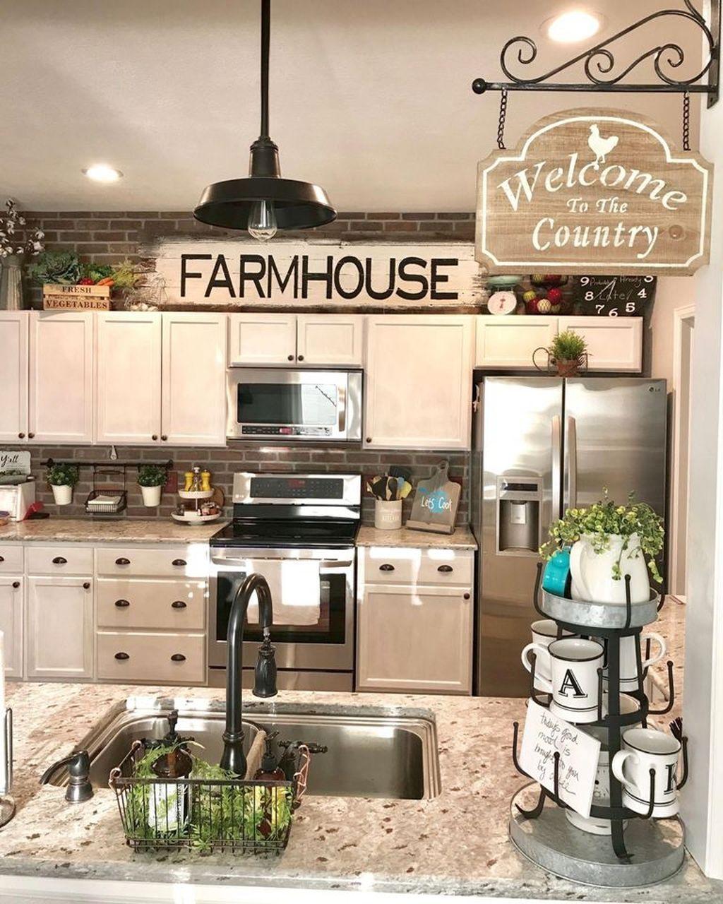 The Best Farmhouse Kitchen Decor Ideas 30