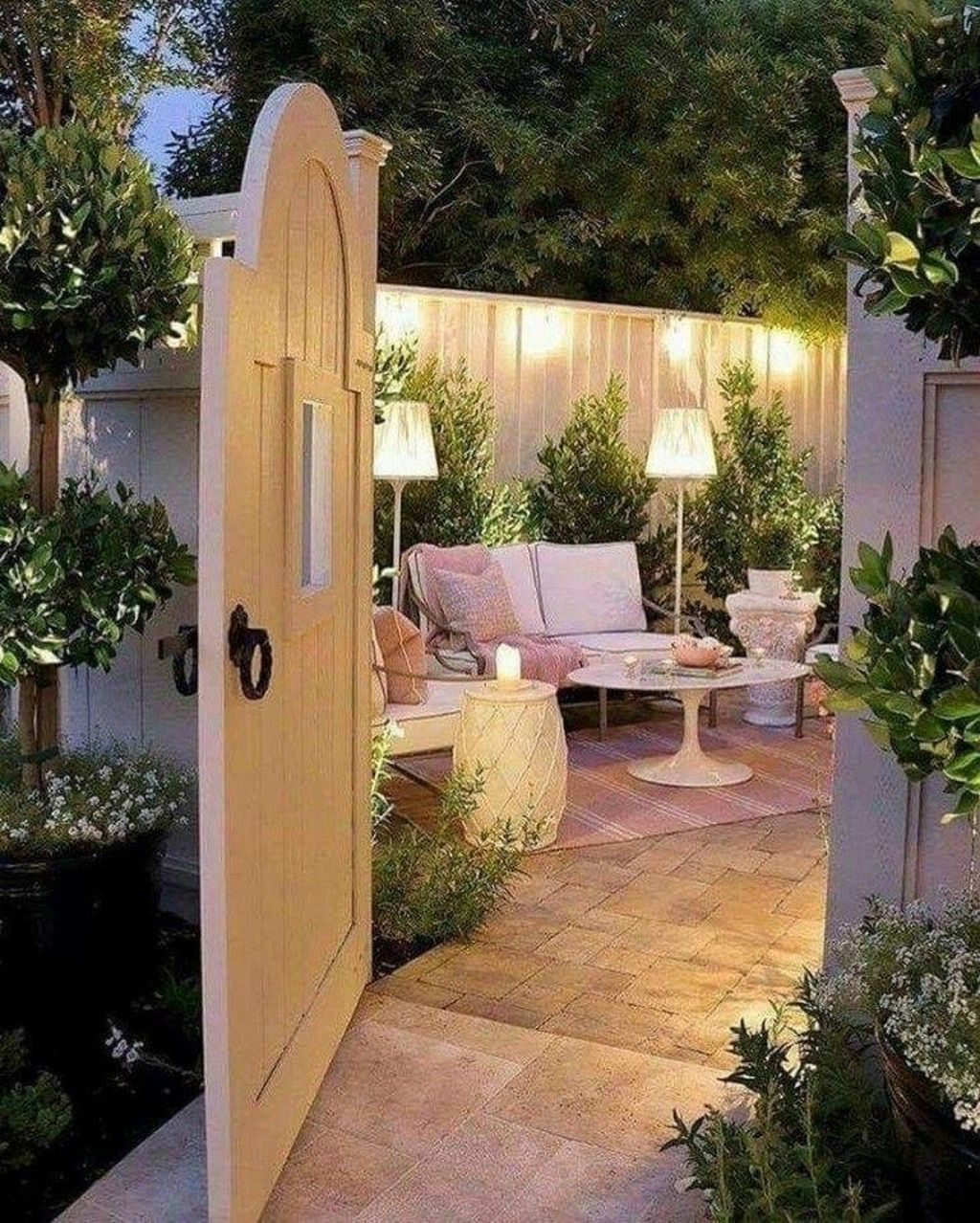 32 The Best Front Yard Landscaping Ideas Sitting Area ... on Front Yard Patio id=65010